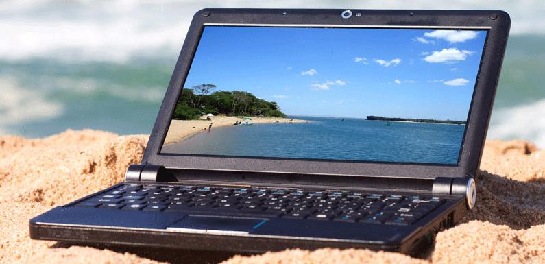 Des salariés connectés… même en vacances !